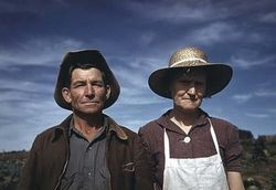 American-Farmers++Jim+Norris+and+his+Wife,+Homesteaders+Pie+Town,+New+Mexico.+1940+by+Russell+Lee.sm