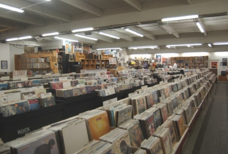 The_record_store_a_good_thing_444x300