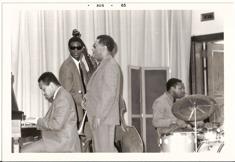 Dizzy and Moody and the group without Moody
