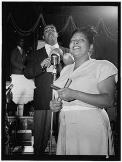 Graciela_y_Machito_Glen_Island_Casino,_July_1947[1]