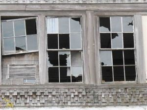 Imagesbroken-windows-01-small