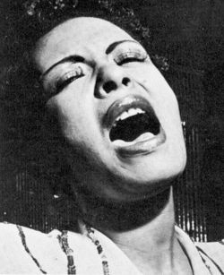 Billie_holiday_1943-021
