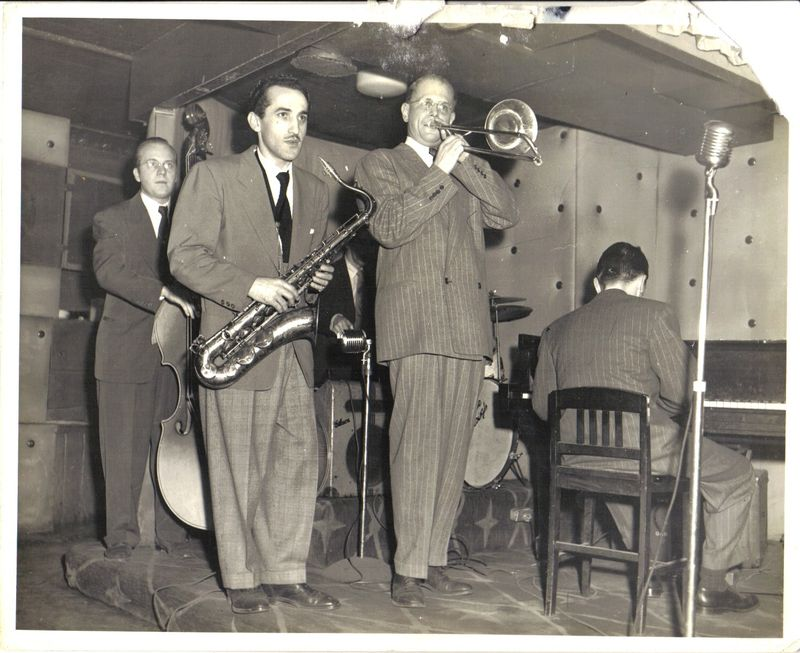 Jazz-Bill Harris, Charlie Ventura, Davey Tough, Ralph Burns