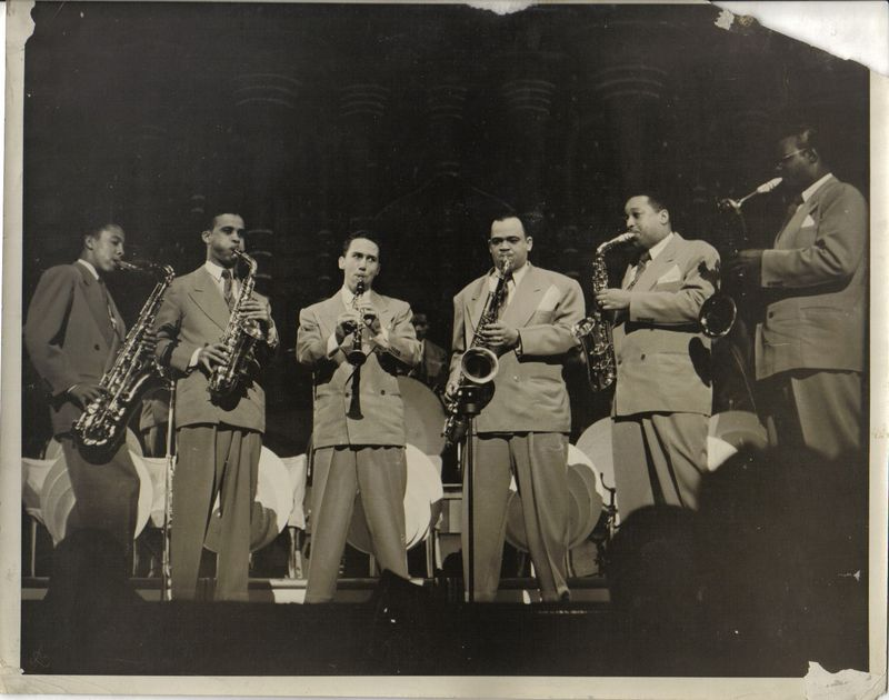 Jazz-Hamp's band—Little Johnny Griffin, Arnett Cobbs{Cobb}, spac, Charlie Fowlkes, ?