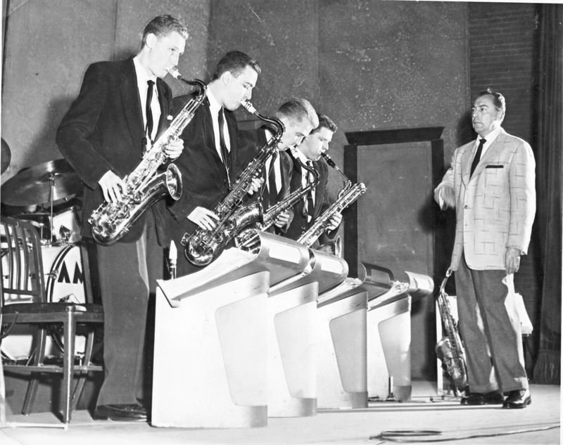 Dick hafer-Herman-3d herd- from left, Arno Marsh, Dick Hafer, Bill Perkins, Sam Staff and Woody Herman in 1952