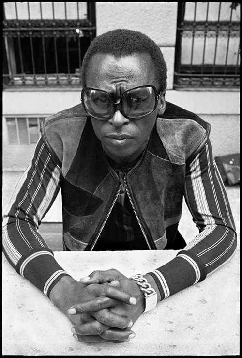 Miles_davis_1969_don_hunstein_medium