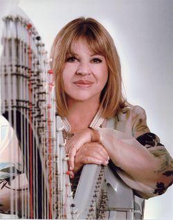 Corky-hale-with-harp