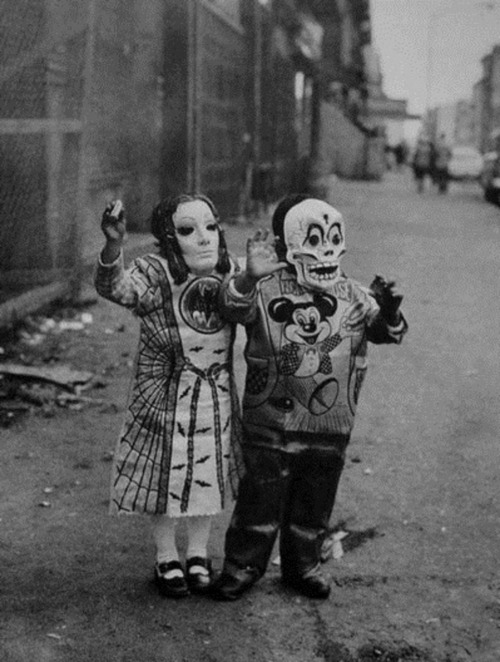 Arthur+Trees+-+Masked+Children+110th+Street%2C+New+York%2C+1969