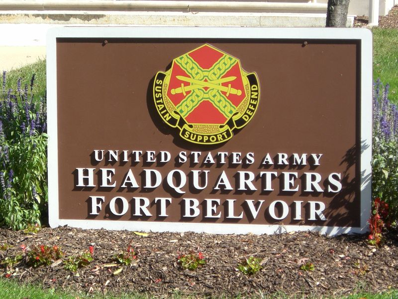 Fort_Belvoir_Headquarters_sign
