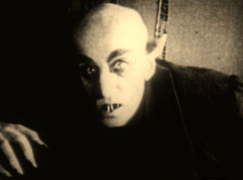 Nosferatu-horror-movies-16124764-1287-951