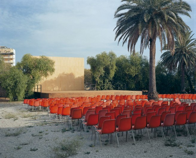 Red_chairs_joh02_kleiner-web
