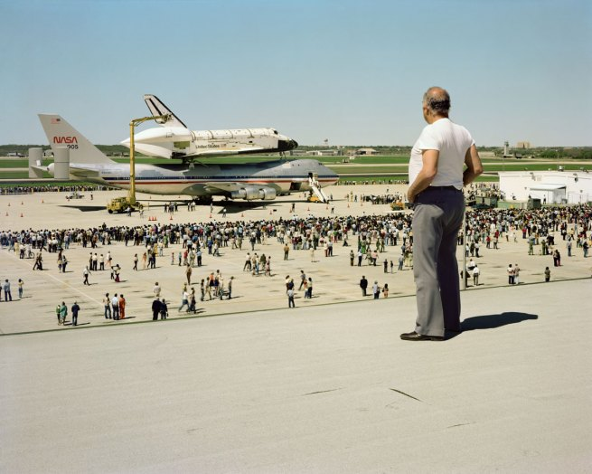 The-space-shuttle-columbia-lands-web