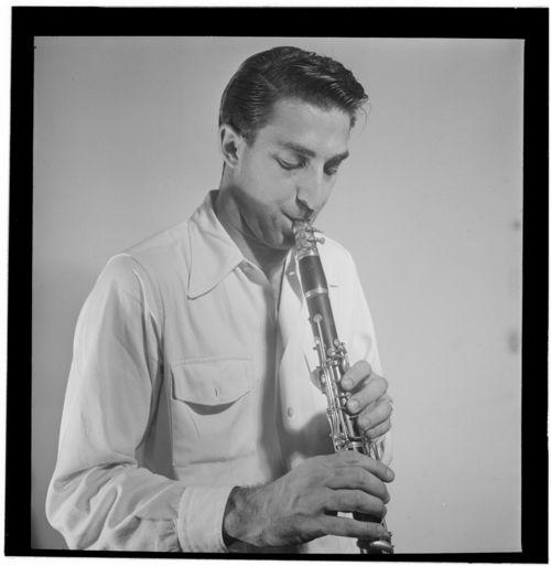 Buddy_De_Franco,_New_York,_ca._Sept._1947_(William_P._Gottlieb_01951)