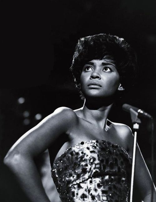 Nancy+wilson+singing+2