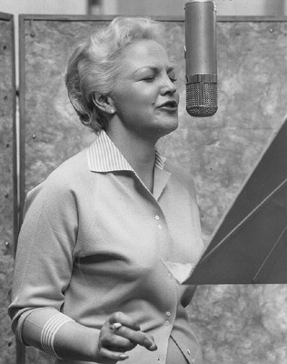 Peggy-lee-singing1