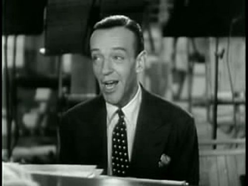 Astaire_singing_in_Second_Chorus