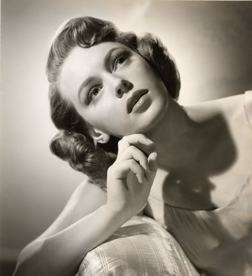 52-MGM-Portrait-1_560