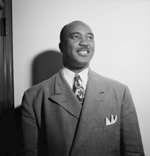 Jimmie_Lunceford_August_1946_(Gottlieb)