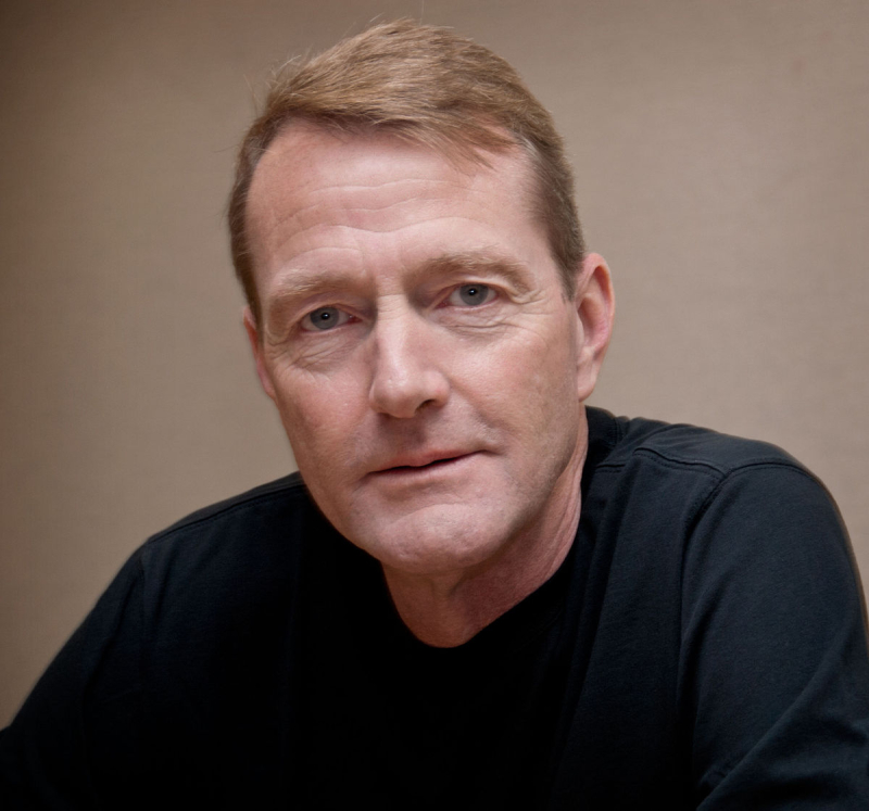 1200px-Lee_Child _Bouchercon_2010
