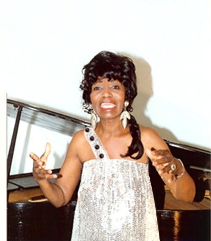 8-IRMA CURRY in concert, Savannah,GA @72 dpi-mm