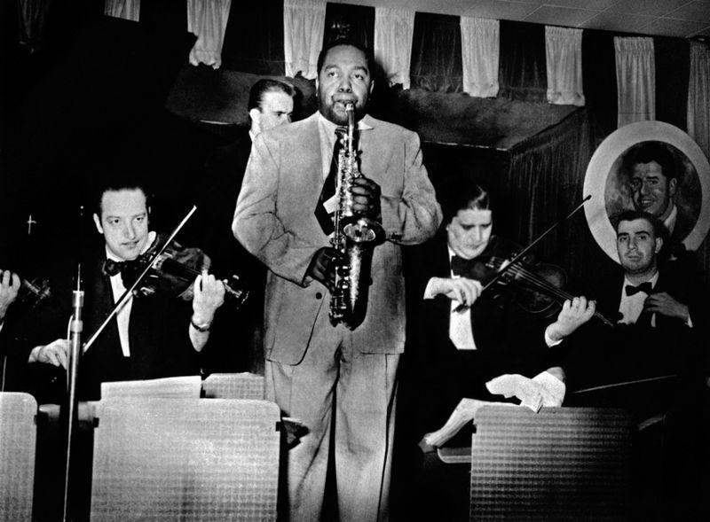 Charlie_Parker_and_strings_at_Birdland_1951_Marcel_Fleiss_Large_AG copy
