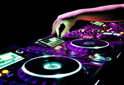 Electronic_dance_music_wallpaper