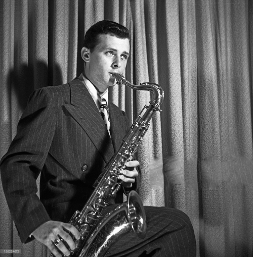Jazz-saxophonist-stan-getz-poses-for-a-portrait-in-1946-in-san-diego-picture-id158224672