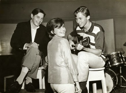 Sylvia-telles-tom-jobim-and-marcos-valle-at-rca-victor-studios-1960