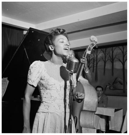 Maxine-sullivan-village-vanguard-new-york-william-p-gottlieb-1947