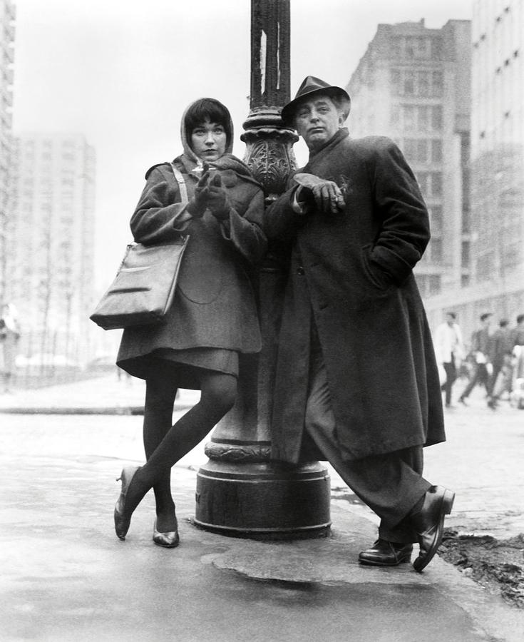 Robert-mitchum-and-shirley-maclaine-in-two-for-the-seesaw-1962--album